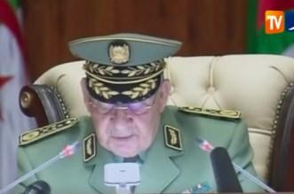 """Algérie: Gaïd Salah évoque un """"complot"""""""
