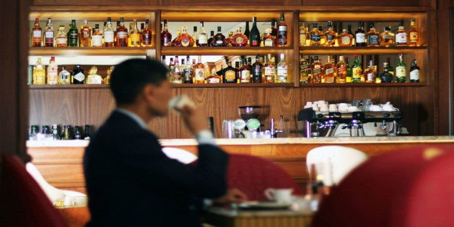 Débits d'alcool à Agadir: une décision du wali ne fait pas l'unanimité