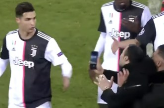 Cristiano Ronaldo furieux contre un supporter (VIDEO)