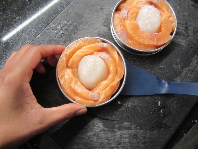 Préparation des tournedos de saumon