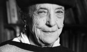 Louise Bourgeois, peintre, plasticienne, sculptrice