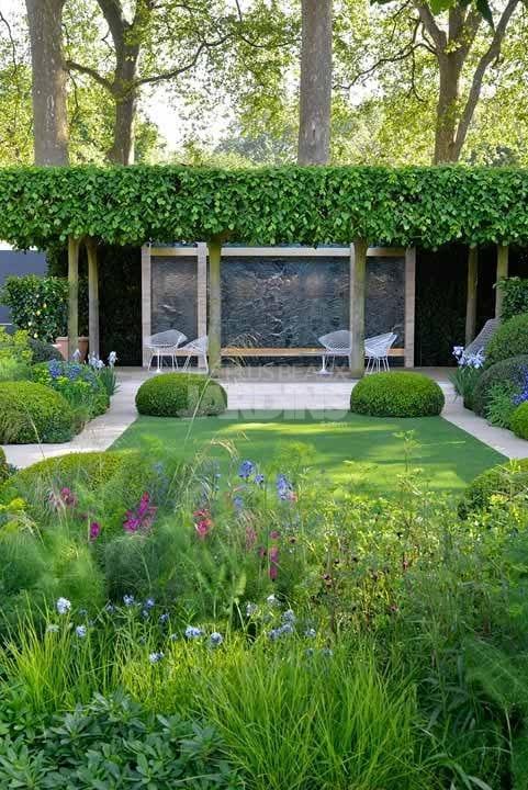 Un Jardin Design Qui Rappelle La Renaissance Italienne