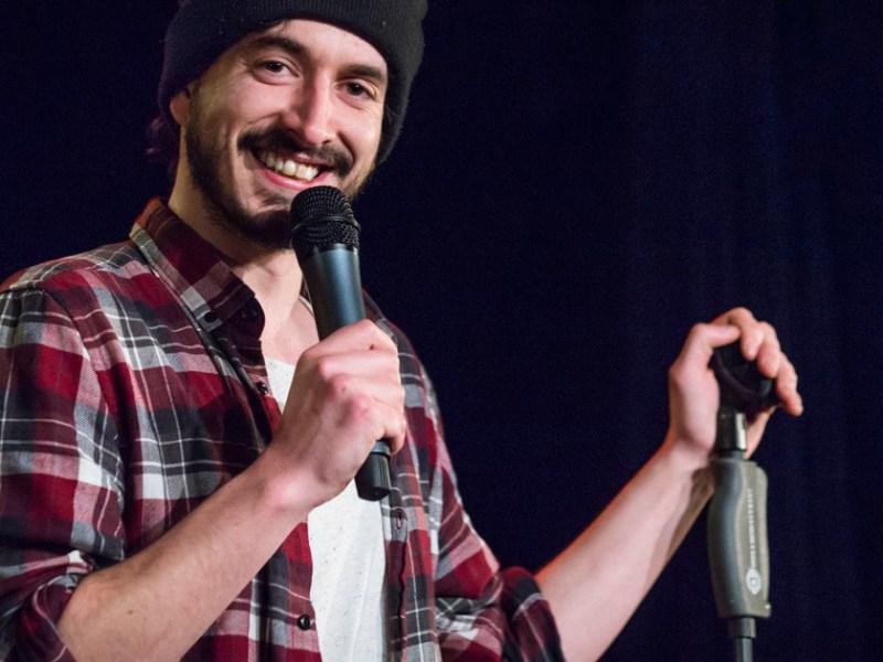 Interviews humour et stand-up : découvrez Rémi Boyes sur le spot du rire !