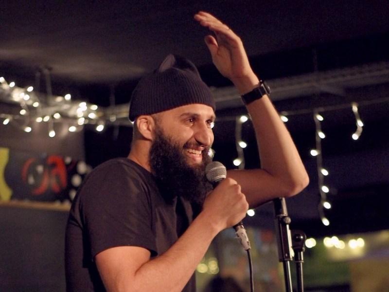 Jason Brokerss : artiste stand-up