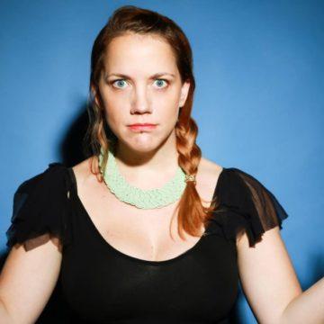 Julie Albertine, découverte humour et stand-up sur le spot du rire