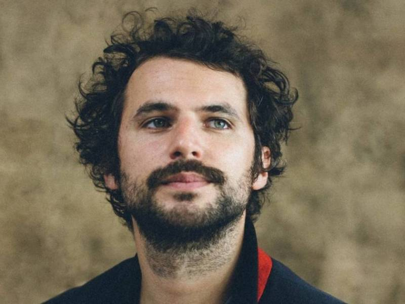Adrien Montowski, découverte humour, stand-up et mime sur le spot du rire