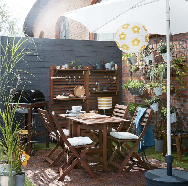 8 solutions pour nettoyer son mobilier de jardin
