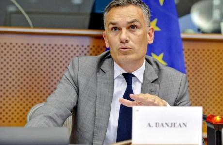 Réunion publique avec le député européen PPE Arnaud DANJEAN – Mercredi 23 octobre 2013