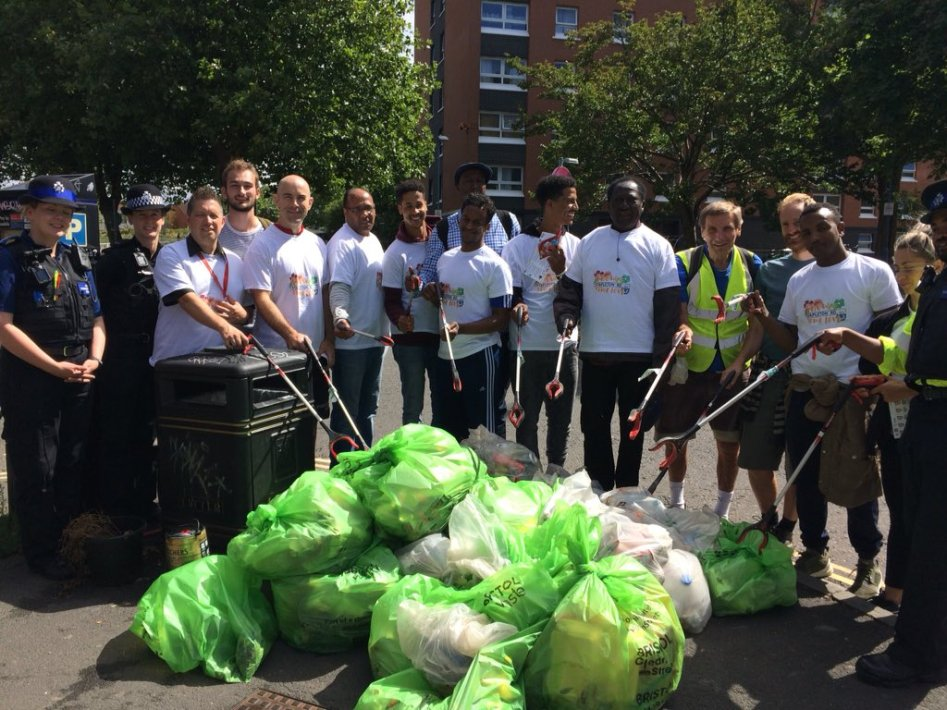 Pic from a recent litter pick on Stapleton Road - credit https://twitter.com/upourstreet