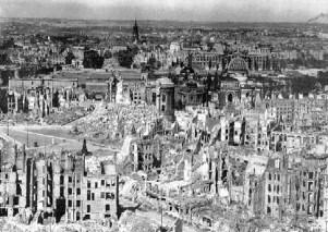 Dresda dopo il bombardamento