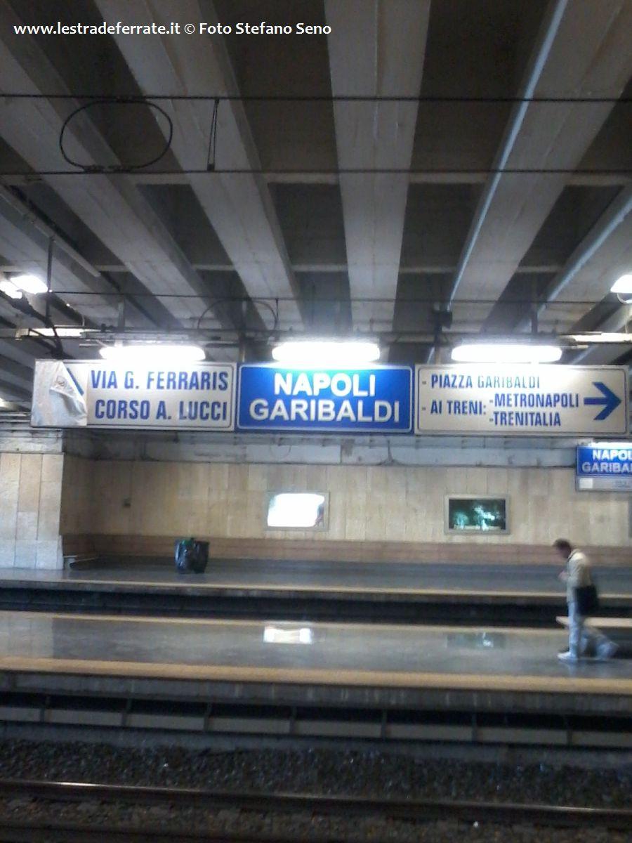 Lestradeferrateit  Circumvesuviana Stazione di Napoli Garibaldi NA