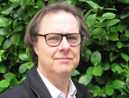 """John Taylor, """"la poesia per esprimere ambiguità o fallimenti come qualità fondamentali della nostra relazione con l'esistenza""""."""
