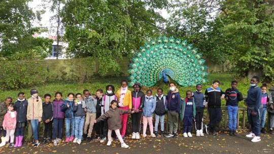 AXA accompagne les enfants au zoo de Thoiry