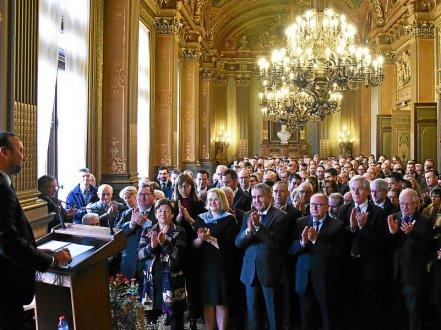Préfet, élus, responsables économiques... un parterre de personnalités assistait hier matin aux voeux du maire de Vannes.