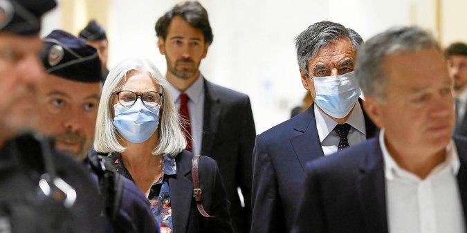 Soupçons D Emplois Fictifs François Fillon Et Son épouse