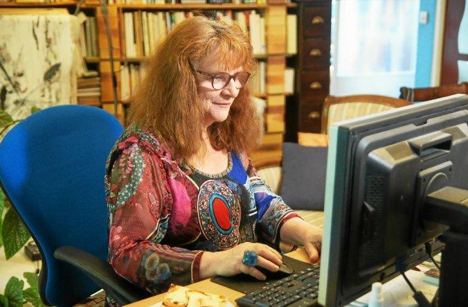 Catherine Marc, qui anime des ateliers d'écriture depuis plus de vingt ans, propose une nuit de l'écriture le 31décembre, pour fêter le passage à la nouvelle année.