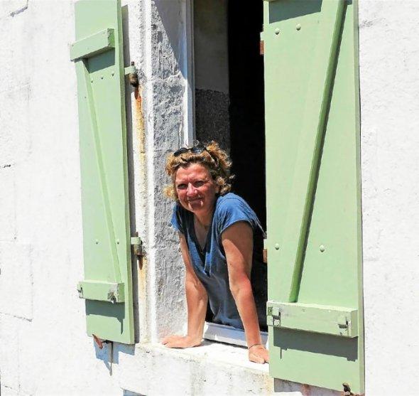 Nathalie Guen exposera pendant les deux mois d'été sur l'Île Wrac'h.