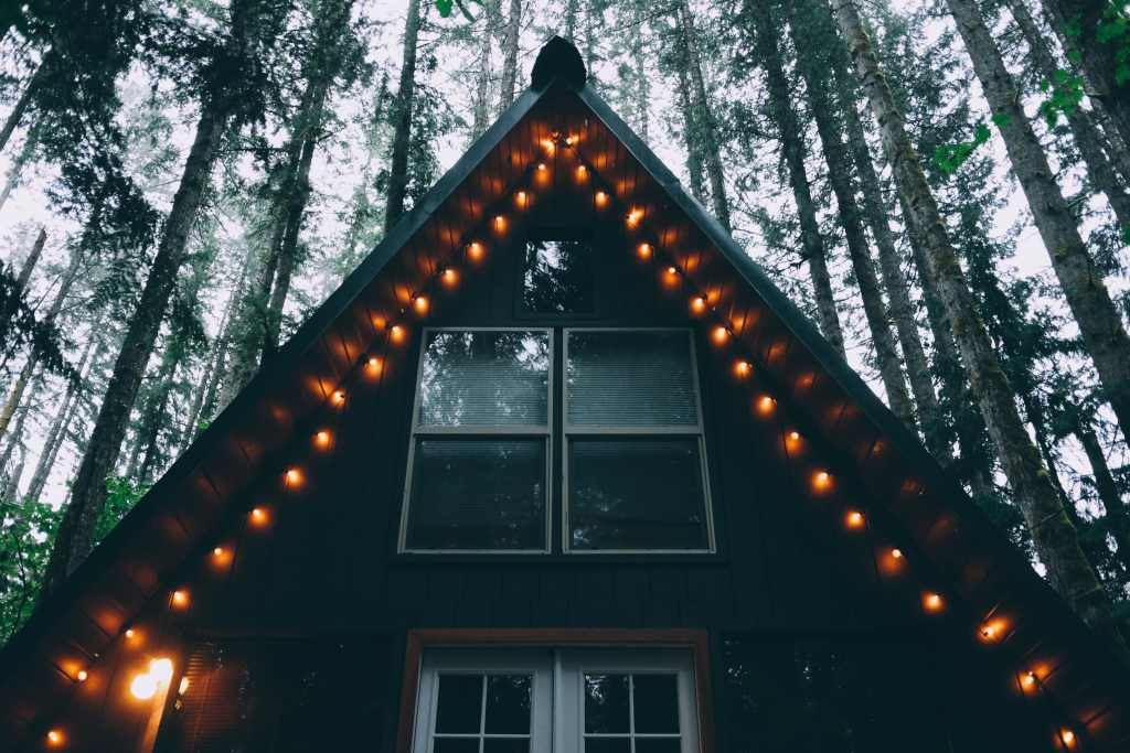 Affordable Family Getaways - Winter Cabin with lights