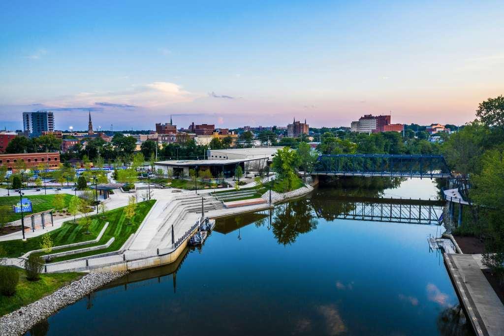 Fall Break Vacation Ideas for Families - Fort Wayne Promenade Park