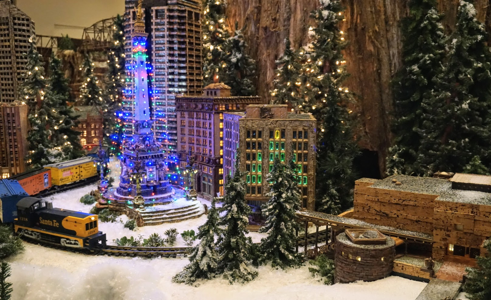 Christmas Events in Indianapolis for Kids - Jingle Rails trains Eitlejorg