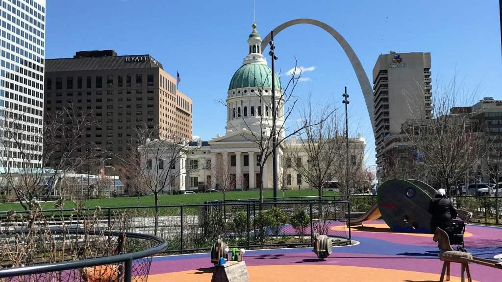 St Louis Family Trip - Keiner Plaza Park