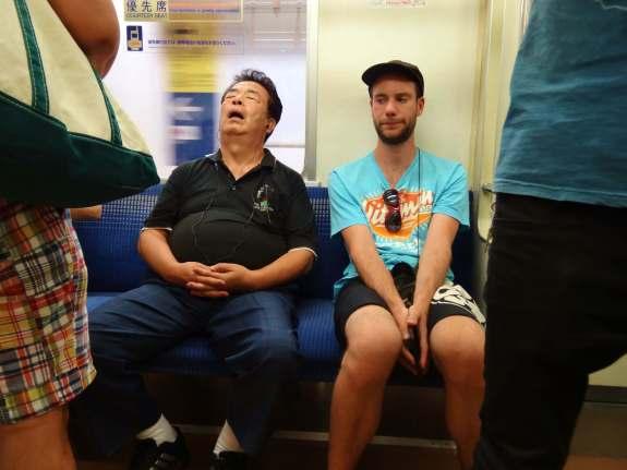 Dans le métro de Tokyo pendant mon tour du monde