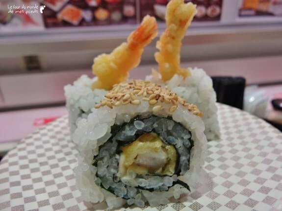 trois sushis aux crevettes pas cher à uobei tokyo shibuya
