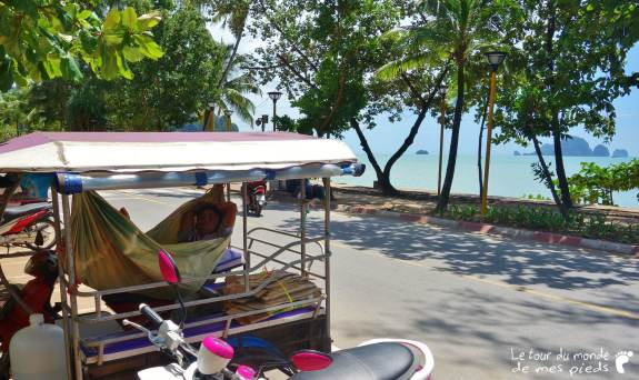 sieste à Aonang en Thaïlande