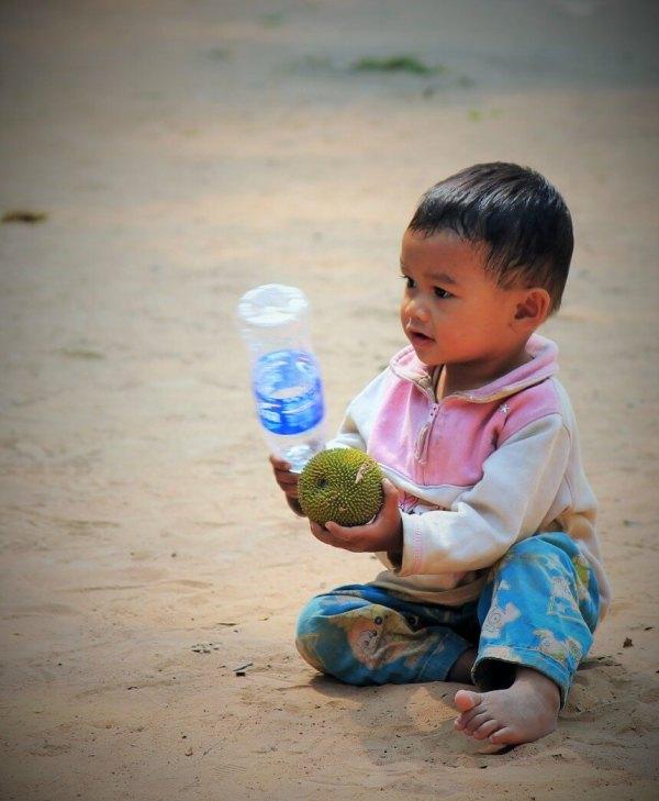 enfant cambodge angkor