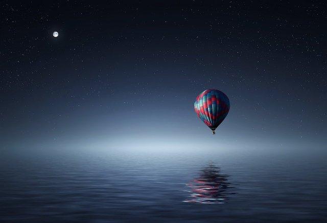 mongolfiera notturna