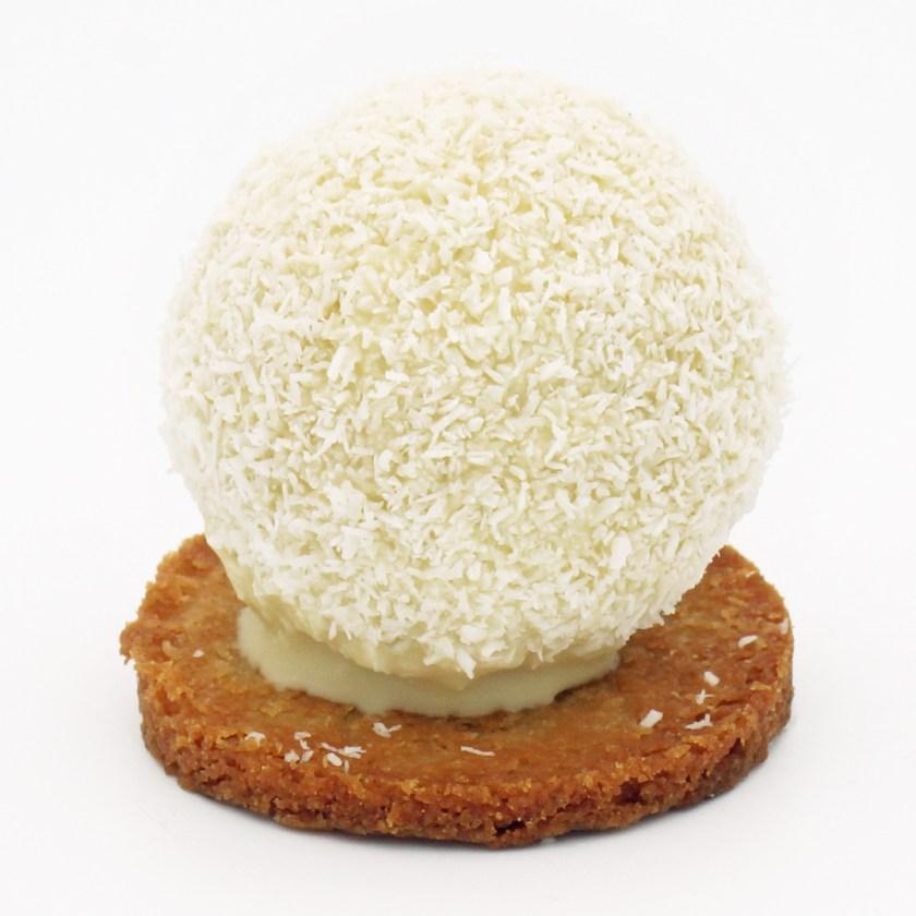 pompon blanc vg pâtisserie