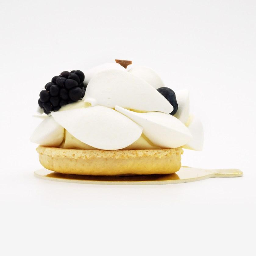 pavlova fruits noirs ladurée