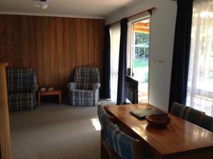 Bligh Court Cottages In Burnt Pine Norfolk Island Lets