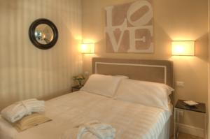 Gold Ognissanti Suite In Florence Italy Lets Book Hotel