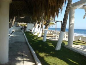Hotel Pantanal en Monterrico Guatemala  Mejores Precios Garantizados  Lets Book Hotel
