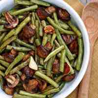 Balsamic Garlic Roasted Green Beans and Mushrooms