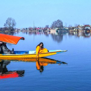 Best Kashmir Tour Package for Women only @ 13000