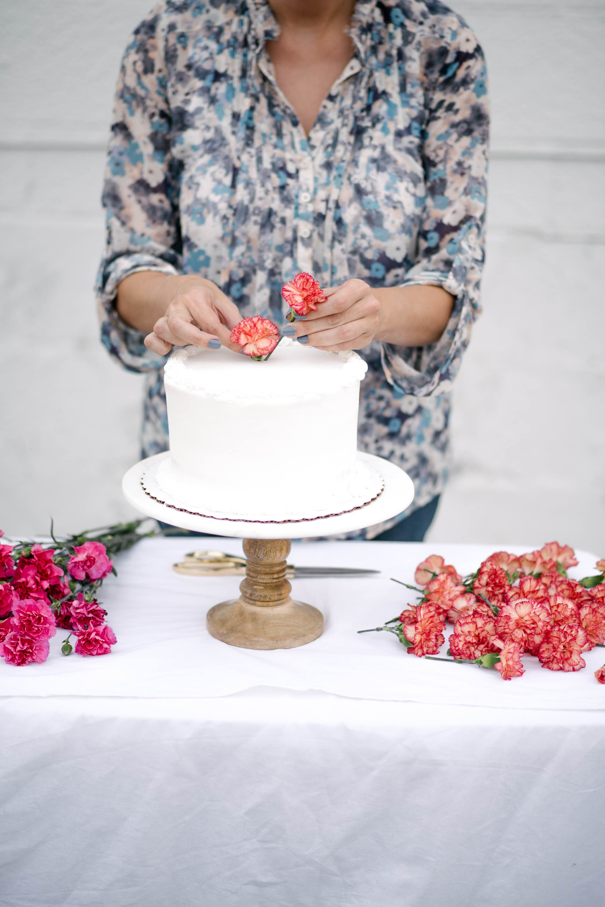 How to make a fresh flower cake topper
