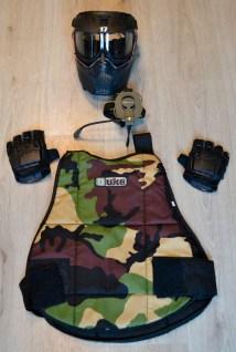 Een belangrijk deel van onze beschermde kleding met de headset.