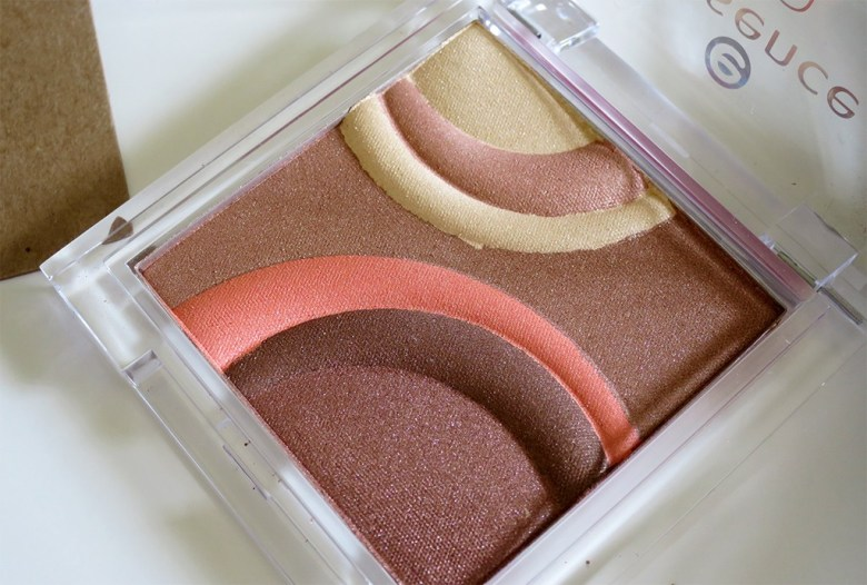Essence Bronzer in Sun Glow