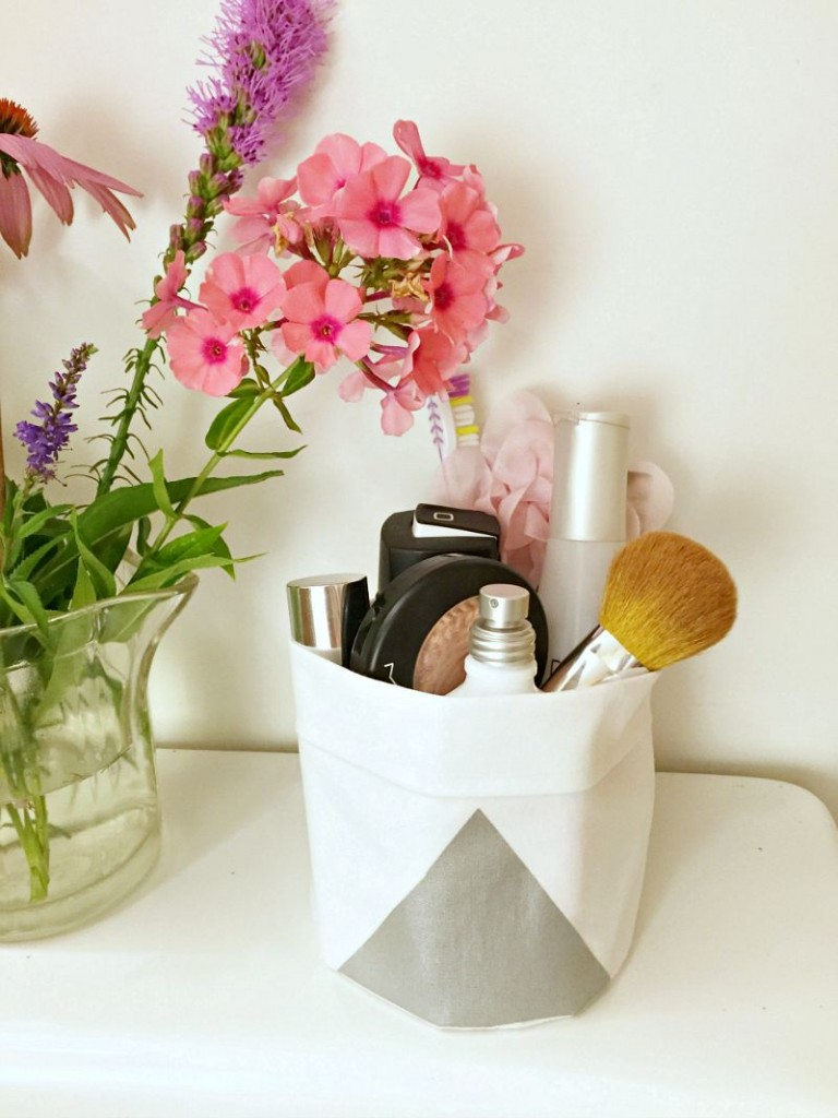 #littleloves DIY Bathroom Tidy Tote Bag bathroom caddy What I made Goodbyes, Las Vegas, and weight loss