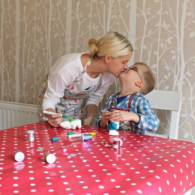 Parenting, Vlogs, and vibrant decorating #littleloves