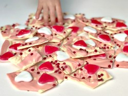 Valentine's Day Treats Easy Chocolate Bark recipe