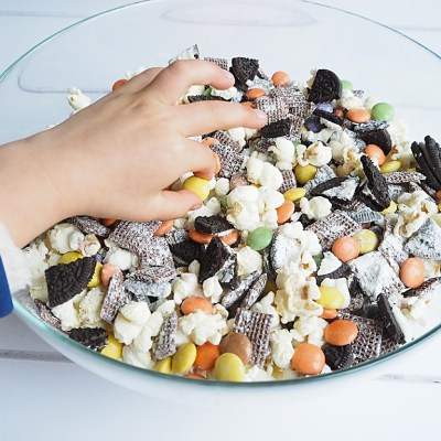Easy Halloween Snack Mix Recipe