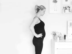 Pregnancy 19 Weeks Bump Watch pregnancy photos