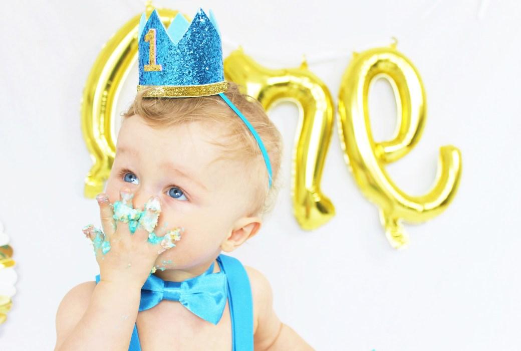 Cake Smashing for Baby's 1st Birthday