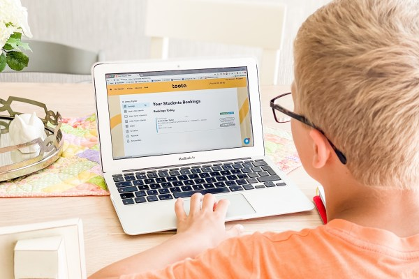 one-to-one maths tuition session online tutoring toota