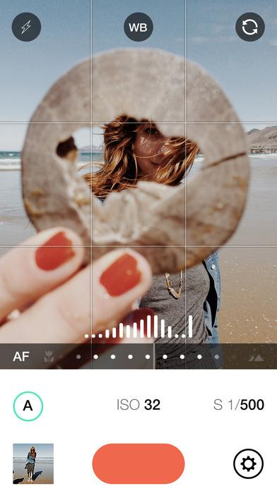Manual RAW custom exposure camera app for iOS