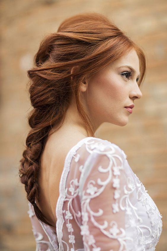 fryzura ślubna warkocz