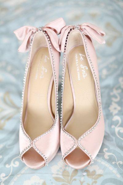beżowe buty ślubne